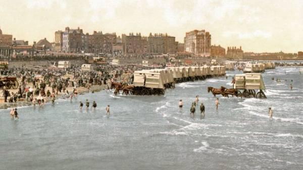 A Victorian seasie scene